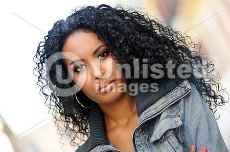 Young Black Woman Afro Hairstyle In Urban Background Stock Photos