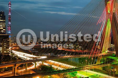 Most famous bridge in the city at dusk, Octavio Frias De Oliveira Bridge, Pinheiros River, Sao Paulo, Brazil